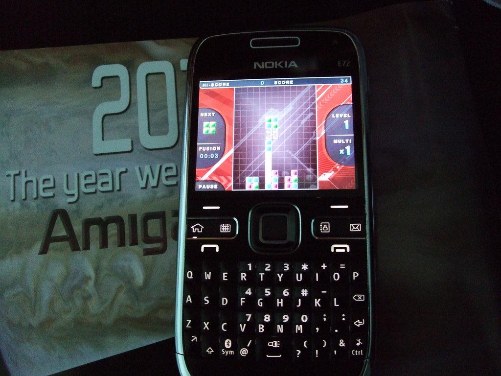 Nokia E72 review (Mobile phone)